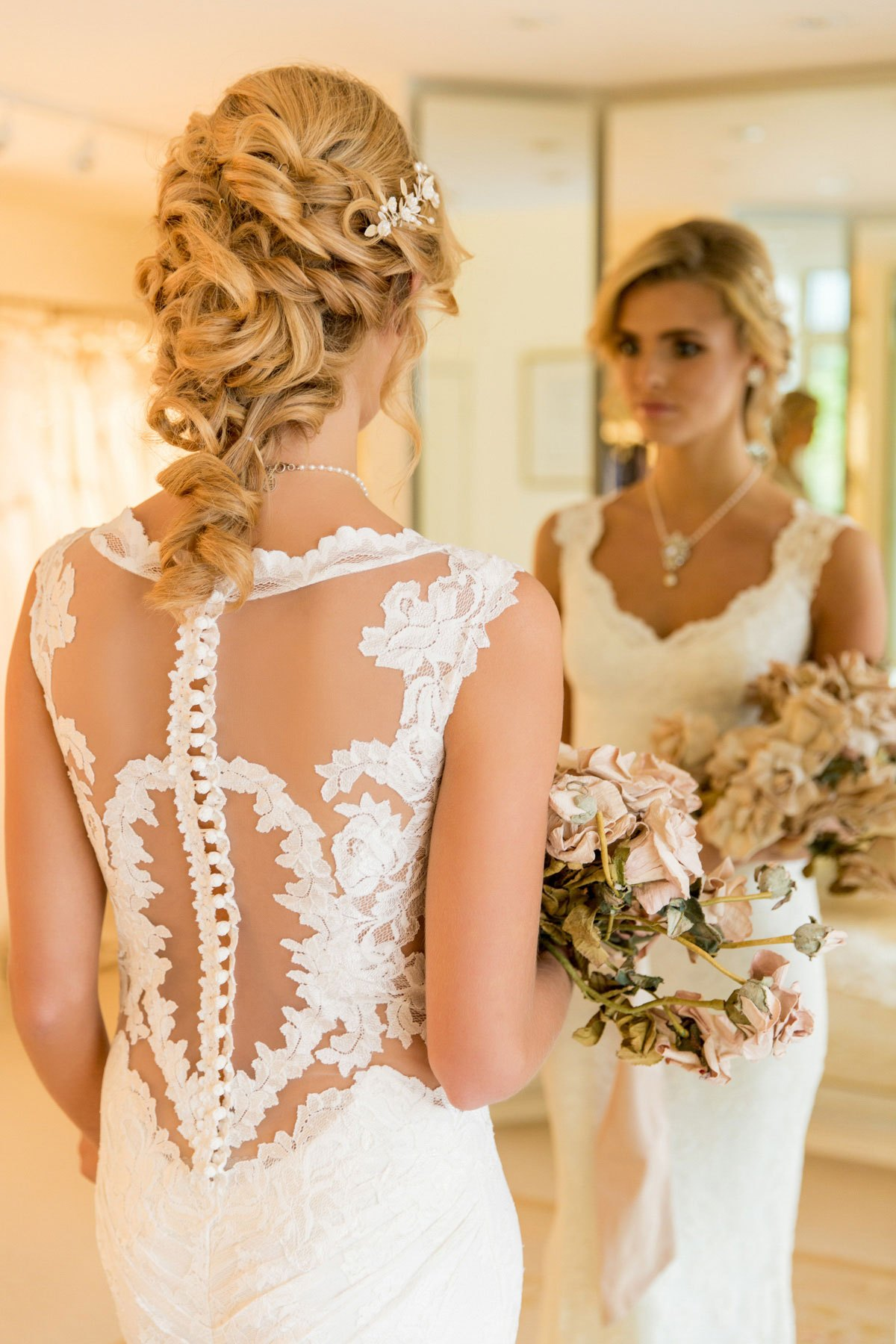Pia Stretch Lace Wedding Dress