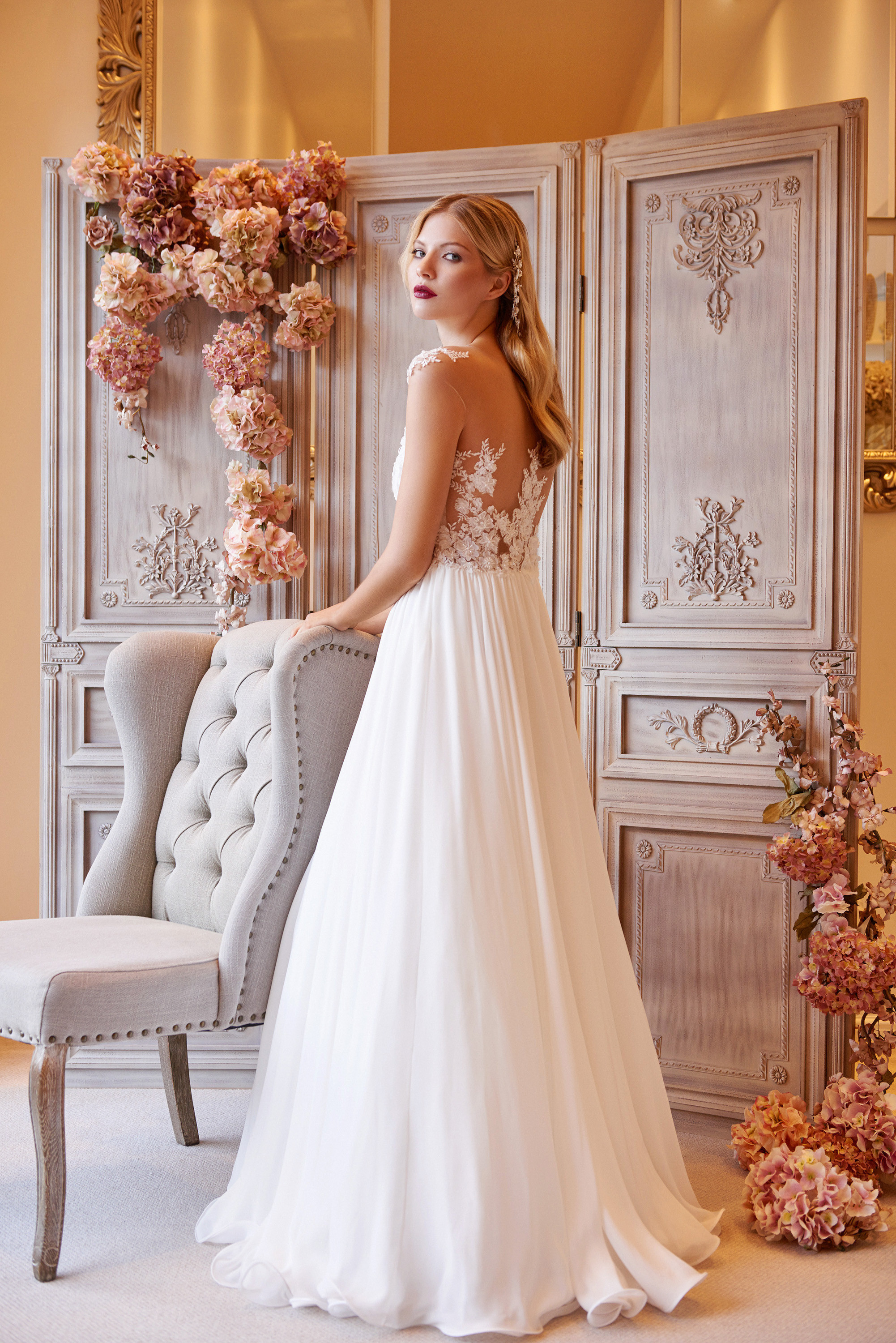 Floral 3d Lace A Line Wedding Dress Floaty Skirt London And Glasgow