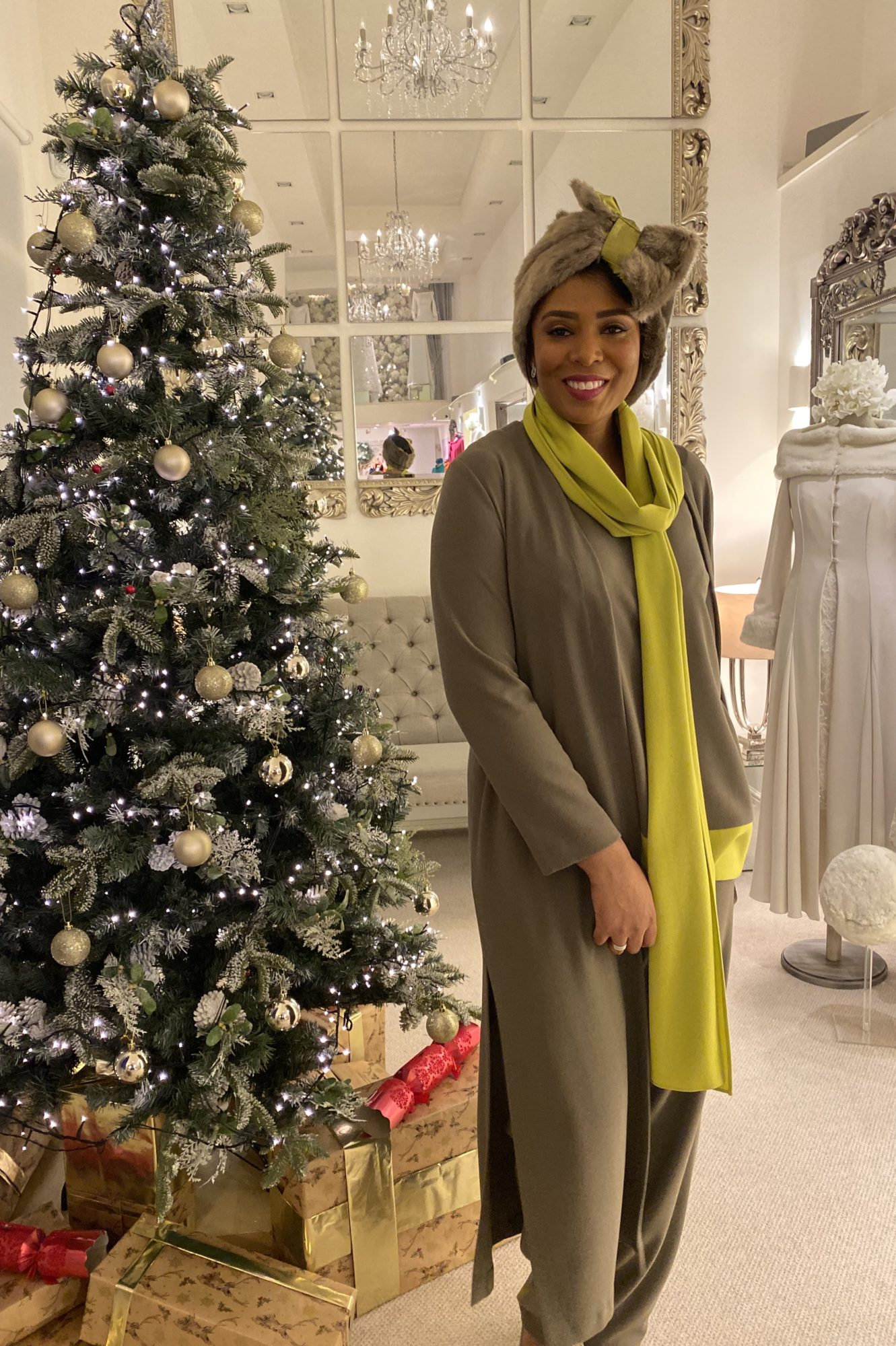 new casual chic outfit Pant suit, Crepe trosers coat tunic and scarf in olive and lime
